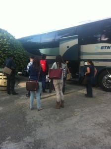 Aquí vamos bajándonos del camión y viendo con gran asombro la Hacienda San Lorenzo